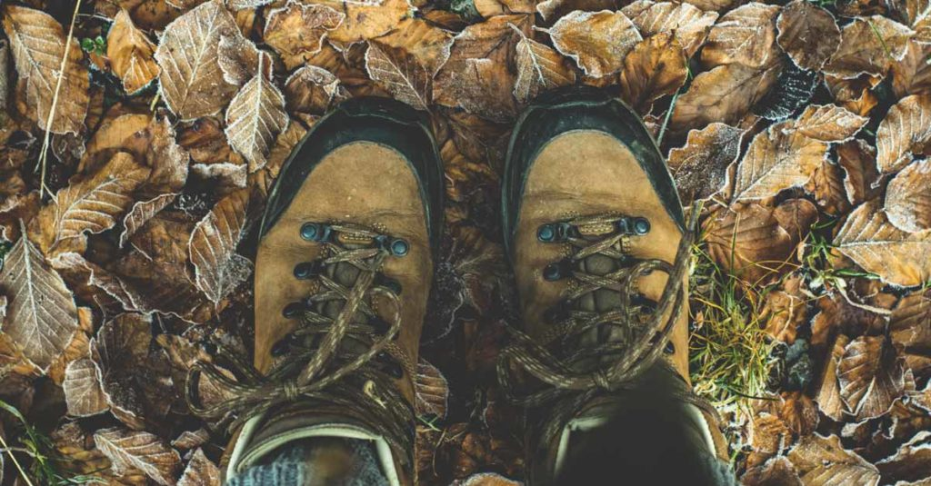 how to choose hiking shoes
